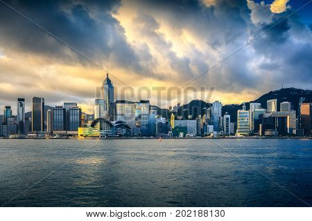 Typhoon Hato storm attack Hong kong at the habour