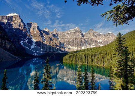 Lake Louise, Canada, 2017.07.09: Moraine Lake in the morning light.