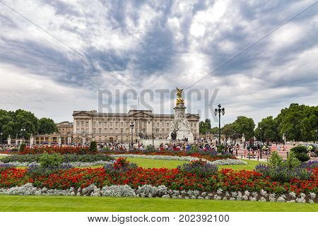 Buckingham Palace London. Official Residence Of Queen Elizabeth II with flag flying to signify the Monarch is in residence