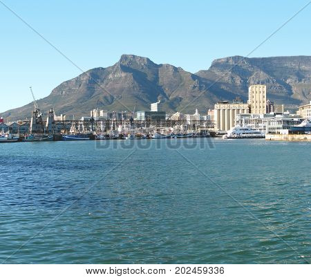 FROM CAPE TOWN, SOUTH AFRICA, THE VICTORIA AND ALFRED WATERFRONT 38df