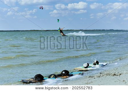 Equipment for managing kitesurfing enthusiasm at sea.