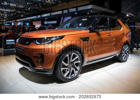 Land Rover Discovery 4X4 Suv Car
