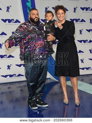 LOS ANGELES - AUG 27:  DJ Khaled, Nicole Tuck and Asahd Tuck Khaled arrives for the MTV Video Music Awards 2017 on August 27, 2017 in Inglewood, CA
