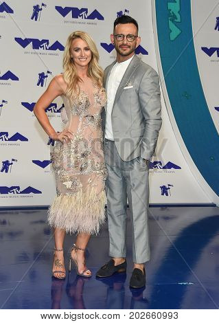 LOS ANGELES - AUG 27:  Leah Messer and Brian Gravely arrives for the MTV Video Music Awards 2017 on August 27, 2017 in Inglewood, CA