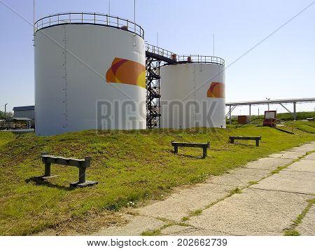 Tanks For Oil Storage