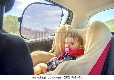baby seat for car with curtains for sun