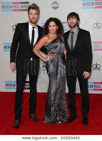 LOS ANGELES - NOV 21:  Lady Antebellum arrives to the American Music Awards 2010 on November 21, 2010 in Los Angeles, CA