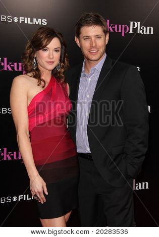 LOS ANGELES - NOV 21:  Danneel Harris & Jensen Ackles arrives to the The Back-Up Plan' Los Angeles Premiere on November 21, 2010 in Westwood, CA