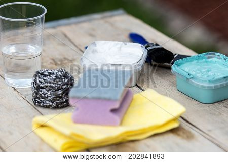 Various Tools For Shabby Chic Look