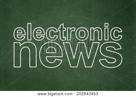 News concept: text Electronic News on Green chalkboard background