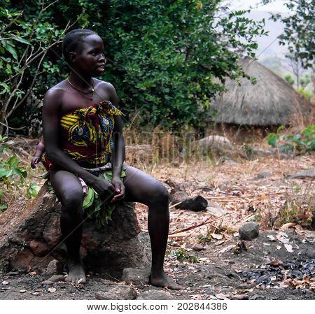 Portrait of sari aka dupa tribe woman - 01-03-2014 Seksekba Cameroon