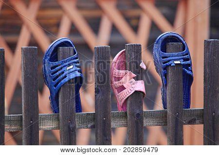 Flip Flops On The Fence