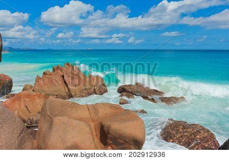 Violent Surf LaDigue Stones