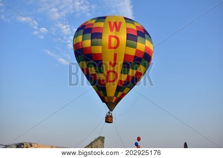 Lincoln, Illinois - Usa - August 25, 2017: Hot Air Tethered Balloon Ride