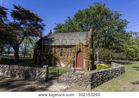 Uralla, Australia - April 11, 2019: View Of The Small Rural Gostwyck Chapel, Known As All Saints Ang