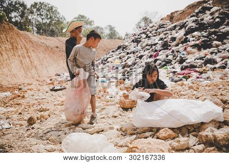 Poor Children Collect Garbage For Sale,, The Concept Of Pollution And The Environment,recycling Old
