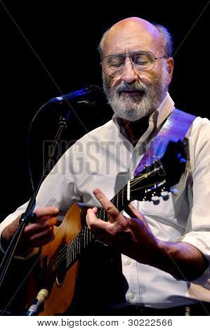 Paul Stookey On Stage