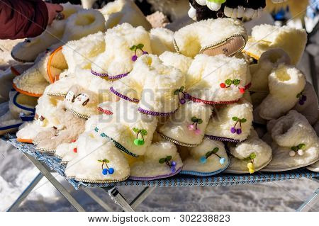 White Childrens Shoes Made Of Sheeps Wool For Sale