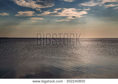 Horizontal Line Of Calm Sea On The Day Light
