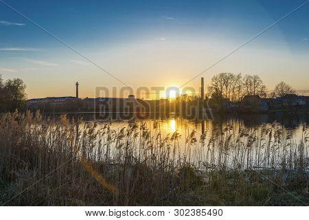 Beautiful Sunset On Lake Knazal In The City Of Yuzha, Ivanovo Region.