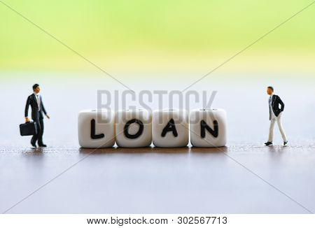 Businessman Financial Loan Negotiation For Lender And Borrower / Meeting Financial Advisor For Help