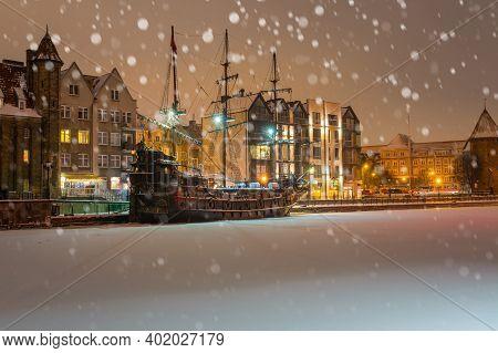 Winter Scenery Of Motlawa River And Gdansk At Night, Poland, Eu