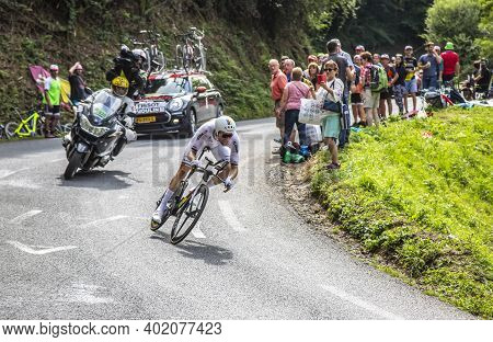Espelette, France - July 28,2018: The Dutch Cyclist Tom Dumoulin Of Team Sunweb Riding During The In