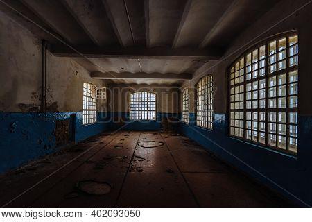 Inside Old Orlovka Asylum For The Insane In Voronezh Region. Dark Creepy Abandoned Mental Hospital