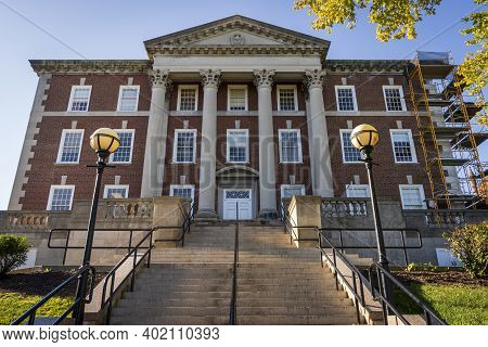 The Maxwell School Of Citizenship And Public Affairs On The Syracuse University Campus In Syracuse,