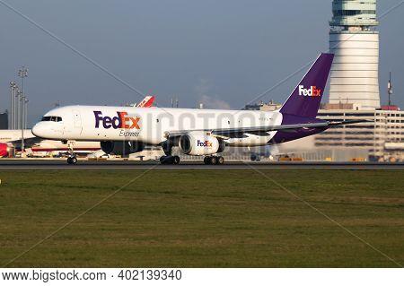 Fedex Boeing 757-200 N972fd Cargo Plane Departure And Take Off At Vienna International Airport