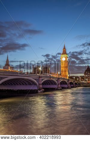 The Big Ben And The House Of Parliament At Night, London, Uk