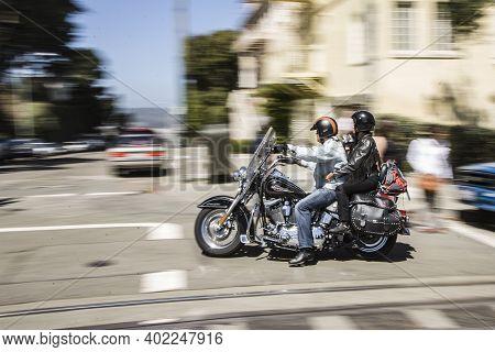 San Francisco, Usa - July 23, 2008: Harley Davidson Driver Cruises Through The Streets Of San Franci