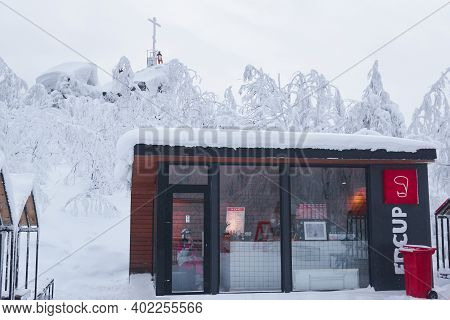Perm Krai, Russia - January 02, 2021: Small Coffee Shop On Top Of A Mountain In Winter In Frosty Wea