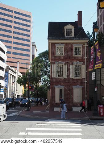 Philadelphia, Usa - June 11, 2019: Image Of The Declaration House The Reconstructed Residence Situat