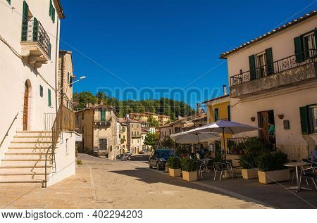 Semproniano, Tuscany - September 5th 2020. A Quiet Bar In The Historic Medieval Village Of Sempronia
