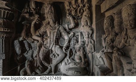 The Hallmark Of India Is Stunning Sculptures, Temples, A Mysterious Atmosphere That Permeates All Of