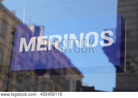 Bordeaux , Aquitaine  France - 01 05 2021 : Merinos Logo Sign Brand Of French Bedding Mattresses And
