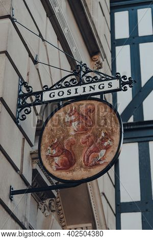 London, Uk - November 19, 2020: Old Sign Of Goslings Bank Branch In Fleet Street, London. Goslings H