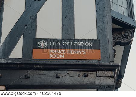 London, Uk - November 19, 2020: Sign Outside Prince Henrys Room On 17 Fleet Street In The City Of Lo