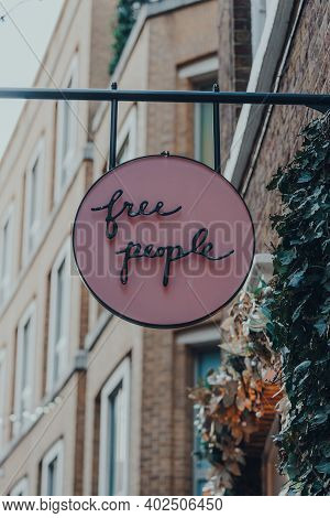 London, Uk - November 19, 2020: Close Up Of Sign Outside Free People Shop In Covent Garden, An Area