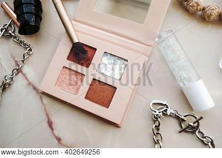 Soft Focus Of Pink Tone Eyeshadow Palette With Pink Brush.cosmetic Branding, Girly And Glamour Conce