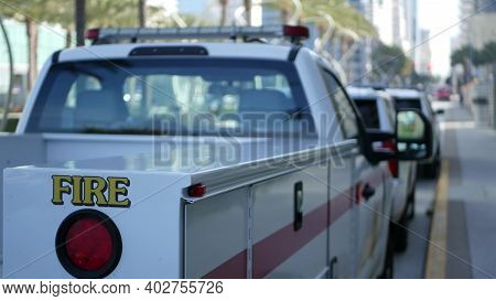 San Diego, California Usa - 15 Jan 2020: Fire Department Trucks And Sheriffs Car With Emergency Sire