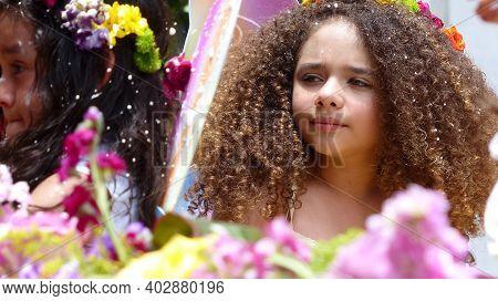 Cuenca, Ecuador-february 22, 2020: Annual Carnival Parade In Cuenca City. Little Cute Girl  In Parad