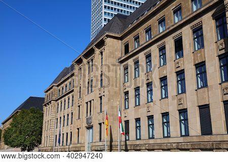 State Chancellery Of North Rhine-westphalia (german: Staatskanzlei Des Landes Nordrhein-westfalen),