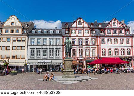 Koblenz, Germany - August 03, 2019: Shops And Restaurants At The Jesuiten Market Sqaure In Koblenz,