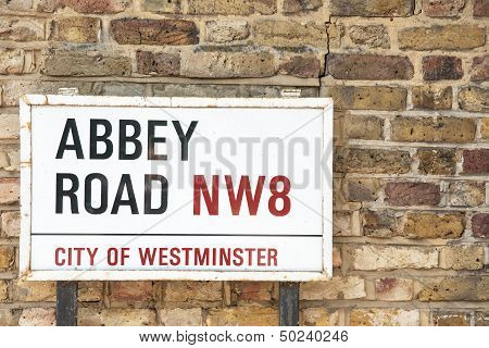 Abbey  Road sign.