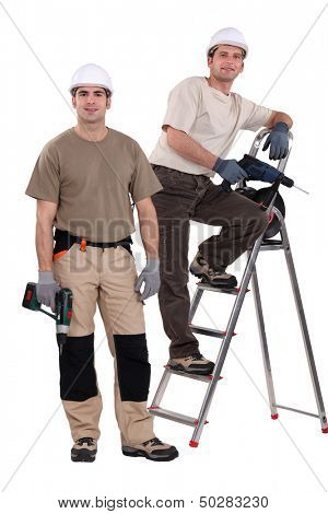 Two handyman with their driller.