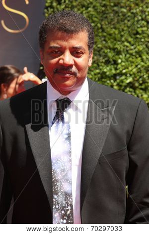 LOS ANGELES - AUG 16:  Neil DeGrasse Tyson at the 2014 Creative Emmy Awards - Arrivals at Nokia Theater on August 16, 2014 in Los Angeles, CA