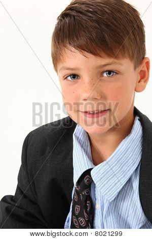 Adorable niño traje