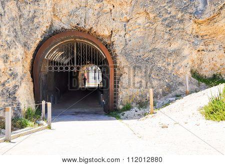 Whaler's Tunnel Gateway: Fremantle, Western Australia